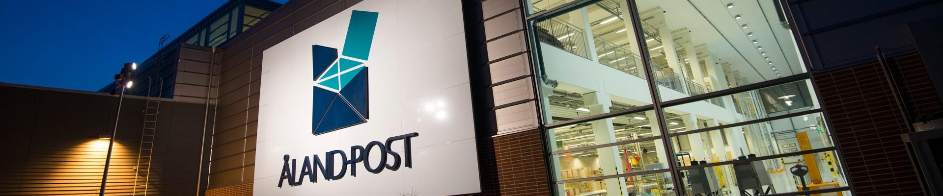 Åland Post skylt vid postterminalen